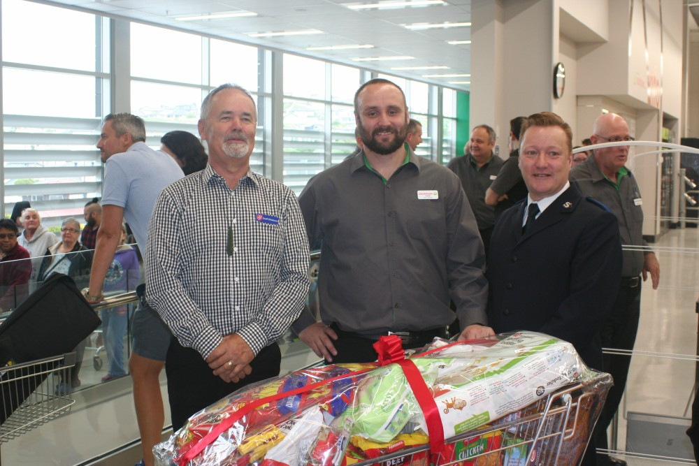 (left to right) Geoff O'Halloran, Salvation Army, with Countdown store manager Mark Berney and Shane Chisholm, also from The Salvation Army
