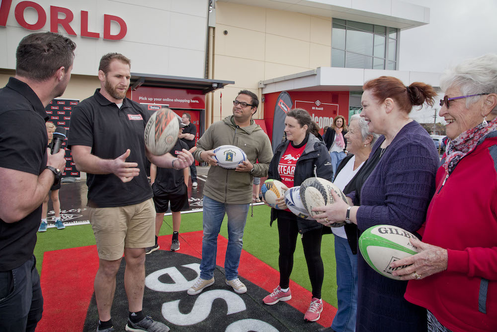 Kieran Read gives Swisse Kick For Cash contestants some handy tips on kicking