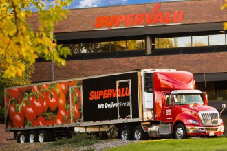 Picture of Supervalu store and truck