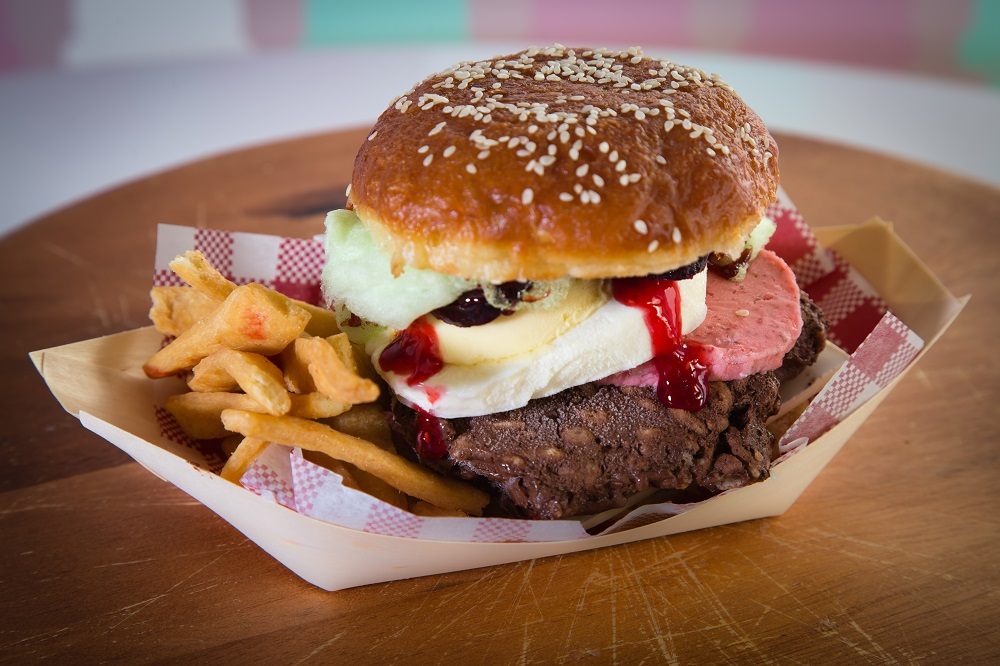 Carrello del Gelato's 'Sweet As' Kiwi Burger